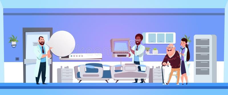 Szpitalny oddział Z grupą mieszanki rasy lekarki Egzamininuje Starego Męskiego pacjenta ilustracja wektor