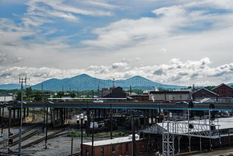 Sztachetowy jard w W centrum Roanoke, VA zdjęcia stock