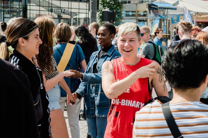 Sztokholm dumy 2019 LGBTQ+ demonstracja zdjęcie royalty free