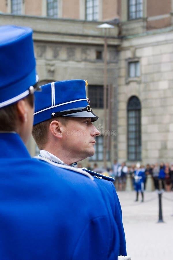 SZTOKHOLM, LIPIEC - 23: Odmienianie strażowa ceremonia z uczestnictwem Królewska Strażowa kawaleria zdjęcia royalty free