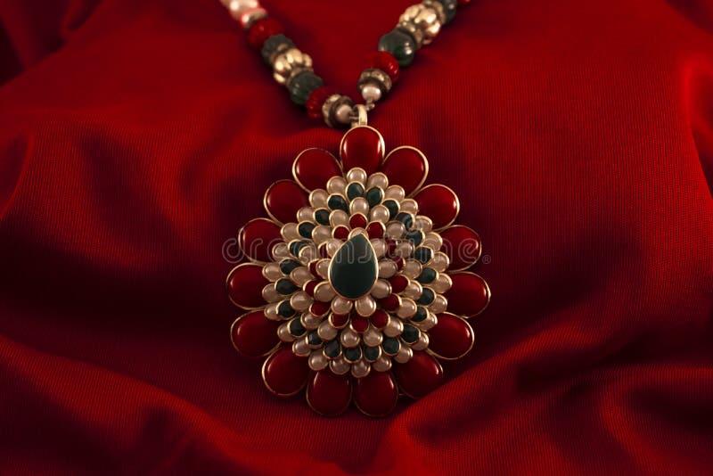 Sztuczna diamentowa kłuta biżuteria Dla kobiet fotografia stock