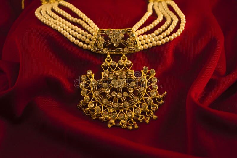 Sztuczna kolorowa biżuteria Dla kobiet obrazy royalty free