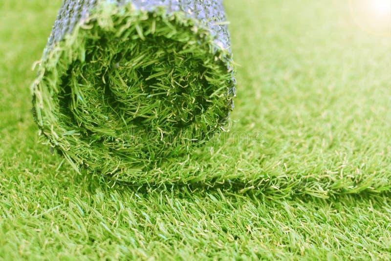 Sztuczna murawy rolka Syntetyczny trawa gazon kłaść tło zdjęcie stock