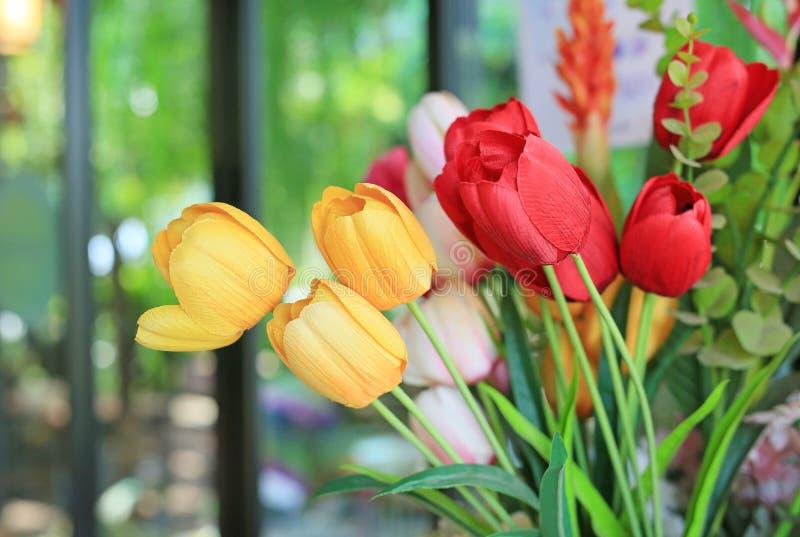 Sztuczna wiązka bukietów tulipanów kwiaty obrazy stock