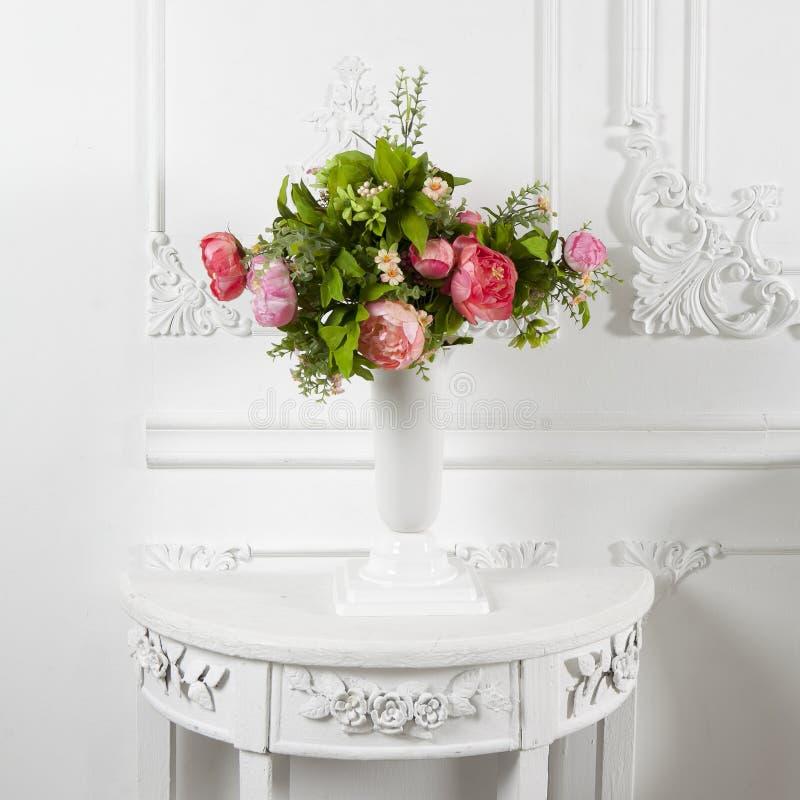 Sztuczne różowe peonie fotografia royalty free