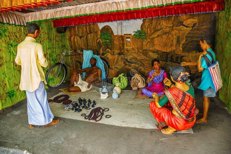 Sztuczny ornamentu sprzedawca w wioska jarmarku, rzeźby muzeum, Kaneri matematyka, Kolhapur, maharashtra zdjęcie royalty free