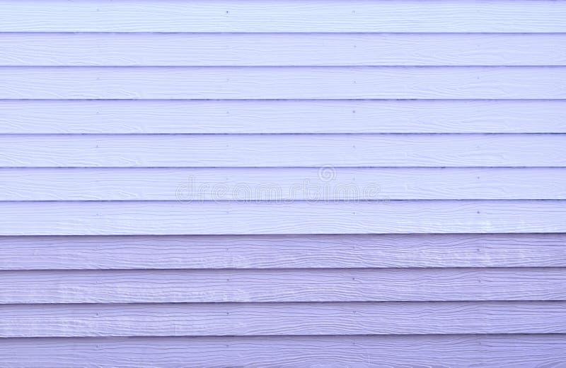 Sztuczny purpurowy drewno ściany tło obrazy stock
