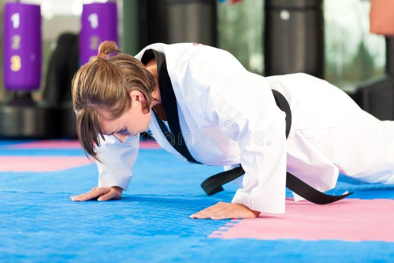 Sztuka Samoobrony sporta szkolenie w gym fotografia stock