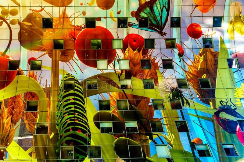 Sztuka współczesna na suficie Targowy Hall w Rotterd obrazy stock
