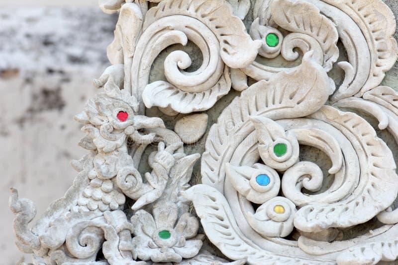 Download Sztukateryjnej Białej Rzeźby Dekoracyjny Wzór Obraz Stock - Obraz złożonej z azjata, formierstwo: 53791579