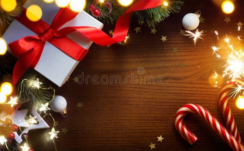 Sztuki choinki dekoracja i wakacyjni prezenty fotografia stock
