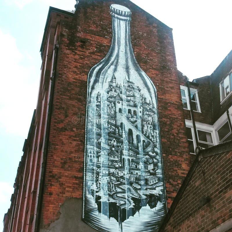 sztuki kolorowa zakrywająca graffiti ulicy ściana obraz stock