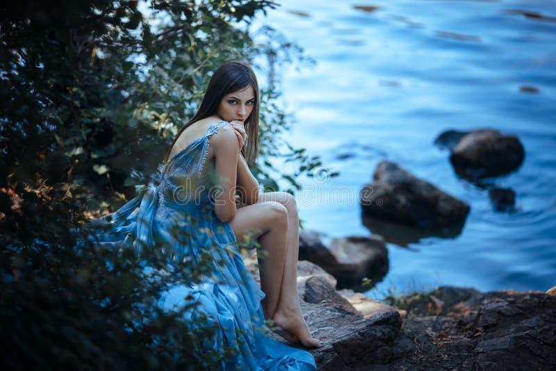 Sztuki mody modela dziewczyny portret zdjęcia royalty free