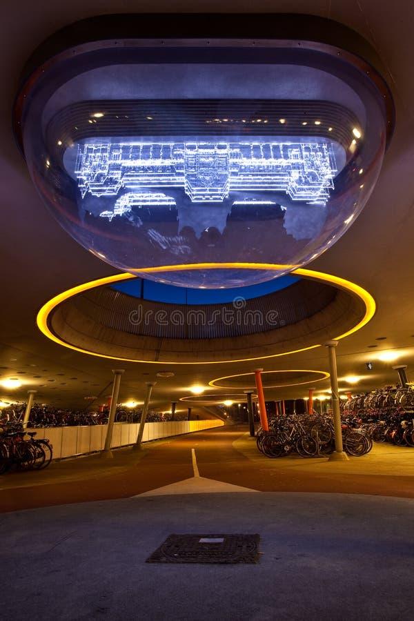 sztuki roweru środkowa nowożytna parking stacja zdjęcia royalty free