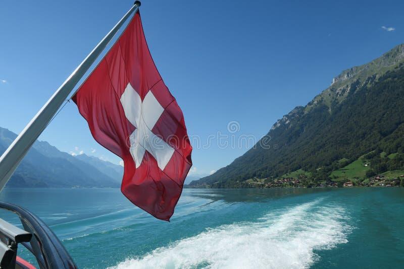 Szwajcar flaga na pokładzie statku wycieczkowego obrazy royalty free