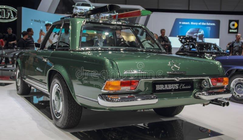 Szwajcaria; Genewa; Marzec 9, 2019; Brabus klasyk, Mercedes-Benz 280 SL pagoda; 89th Mi?dzynarodowy Motorowy przedstawienie w Gen obraz royalty free