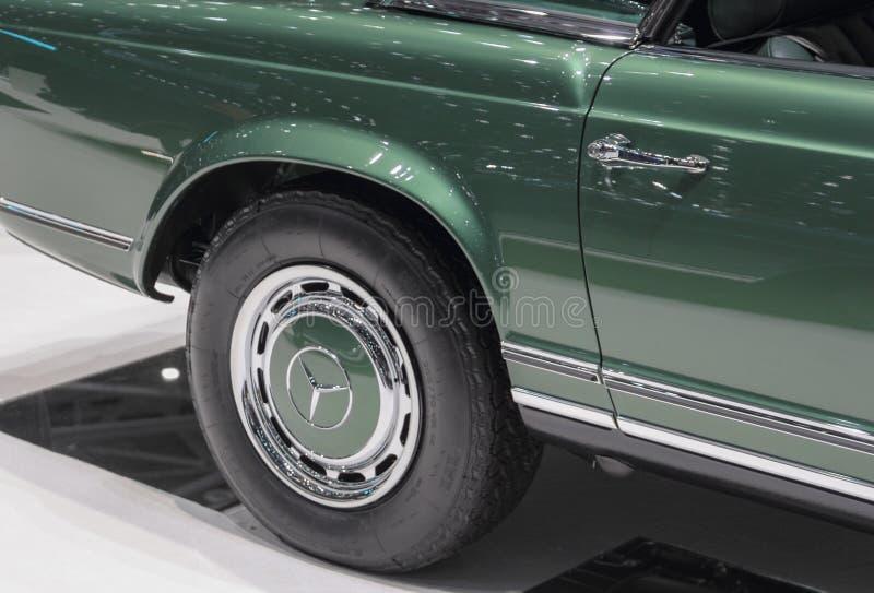 Szwajcaria; Genewa; Marzec 9, 2019; Brabus klasyk, Mercedes-Benz 280 SL tyły dobra Pagodowy koło; 89th zawody międzynarodowi siln zdjęcia stock