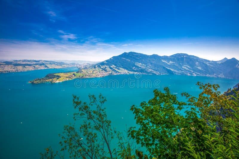 Szwajcarscy Alps blisko Burgenstock z widokiem Lucerna jezioro i Rigi g obrazy royalty free