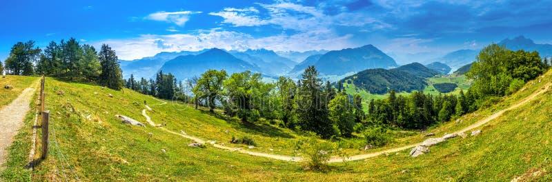 Szwajcarscy Alps blisko Burgenstock z widokiem Vierwaldstattersee i Pilatus g?ra, Szwajcaria, Europa obrazy royalty free