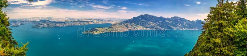 Szwajcarscy Alps blisko Burgenstock z widokiem Vierwaldstattersee i Rigi g obrazy royalty free