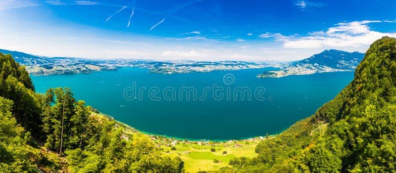 Szwajcarscy Alps blisko Burgenstock z widokiem Vierwaldstattersee i Rigi g?ra, Szwajcaria, Europa zdjęcia royalty free