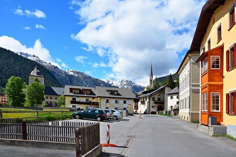Szwajcarscy Alps, kasztel Wildenberg obrazy royalty free