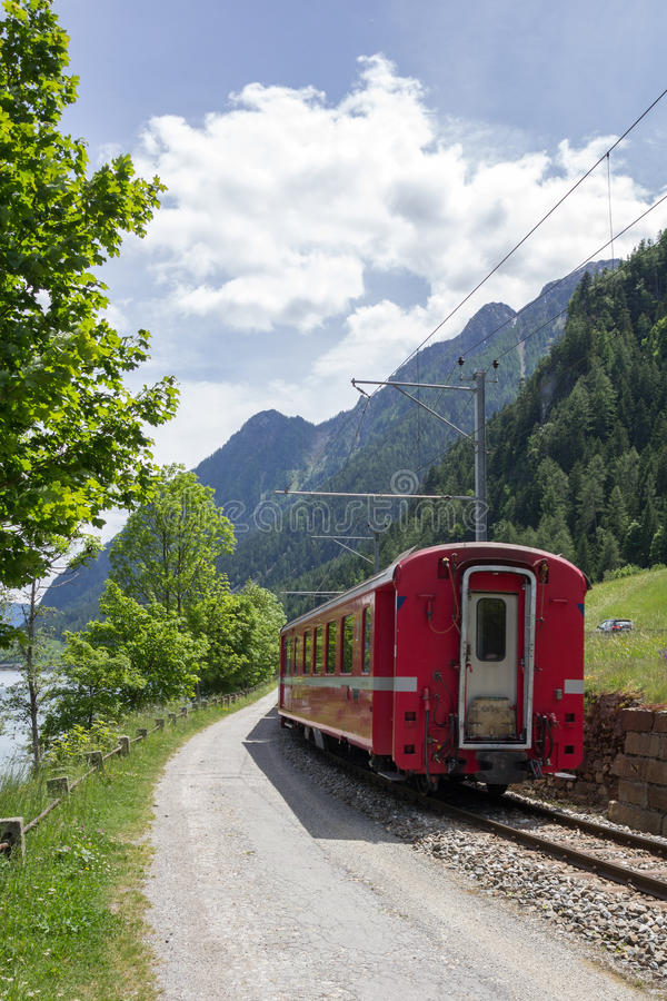 Szwajcarski góra pociąg Bernina Ekspresowy obrazy stock