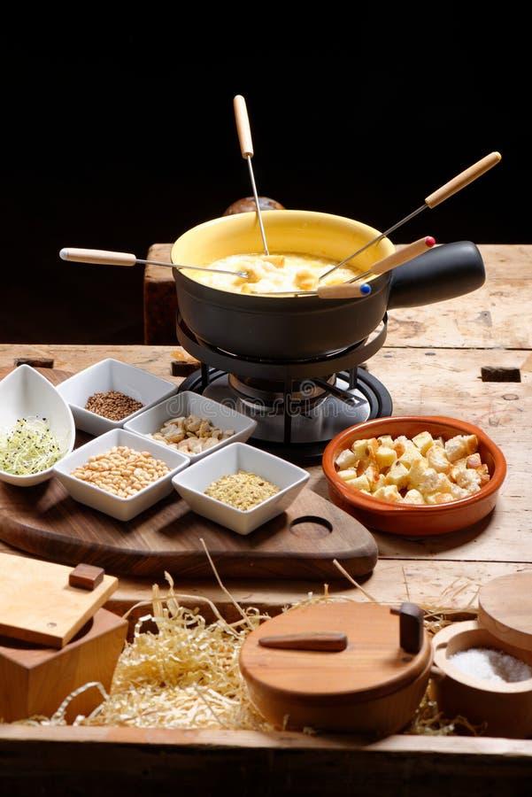 Szwajcarski serowy fondue zdjęcie stock