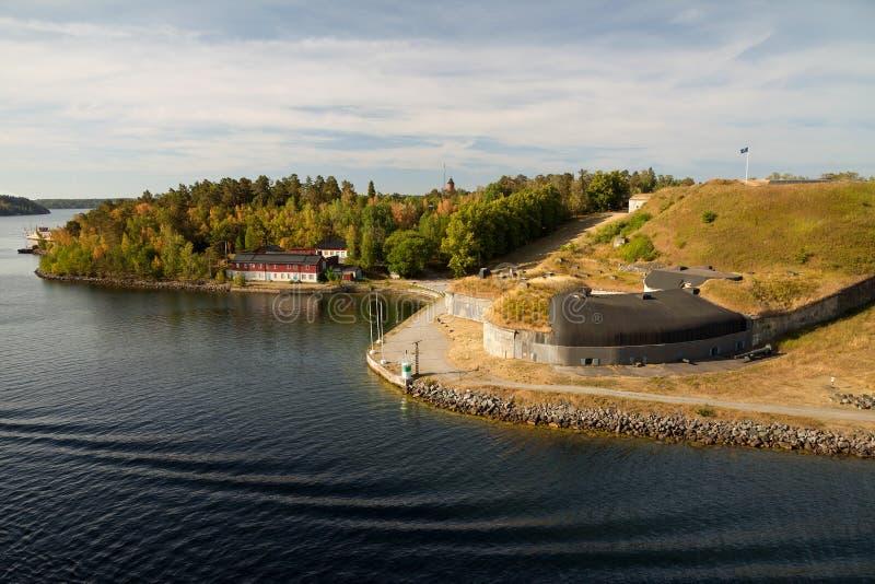 Szwecja morze bałtyckie, forteca, wyspy i typowa linia brzegowa -, widok od promu obrazy royalty free