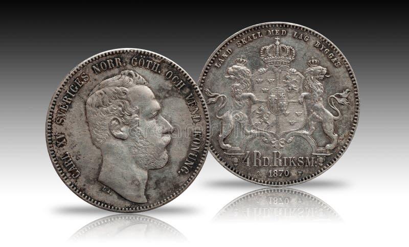 Szwecja Norwegia srebna moneta cztery 4 talarów rigsdaler wybijał monety 1870 Carl XV odizolowywający na gradientowym tle zdjęcie royalty free