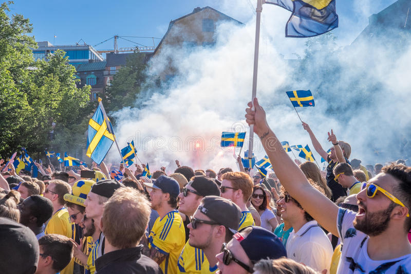 Szwedzcy fan piłki nożnej świętują Europejskich mistrzów zdjęcia stock