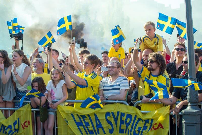 Szwedzcy fan piłki nożnej świętują Europejskich mistrzów obrazy royalty free