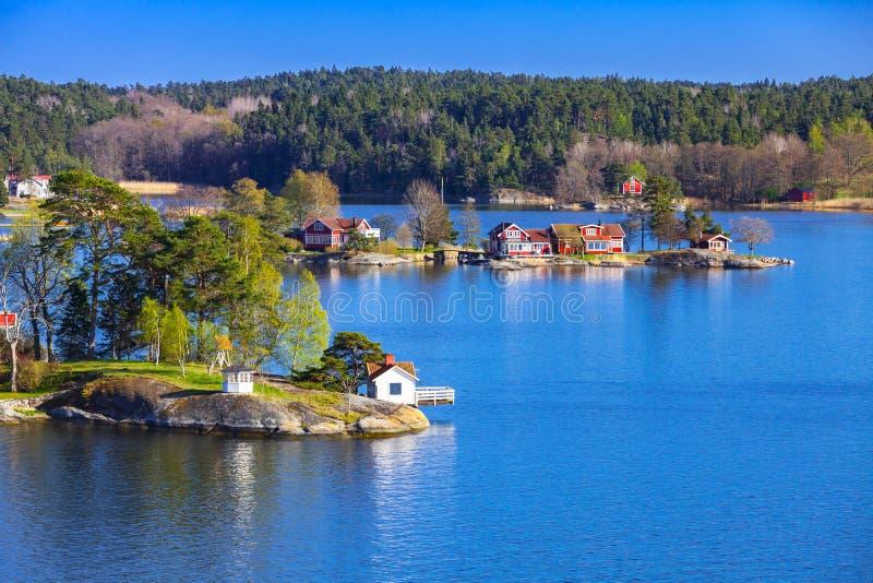 Szwedzi kształtują teren z nabrzeżnymi wioskami zdjęcie stock