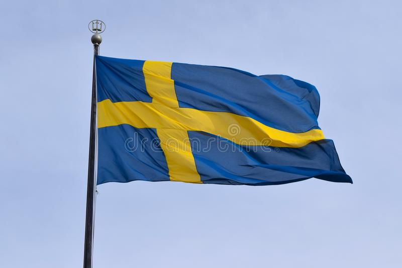 Szwedzi zaznaczają latanie na flagpole zdjęcie royalty free