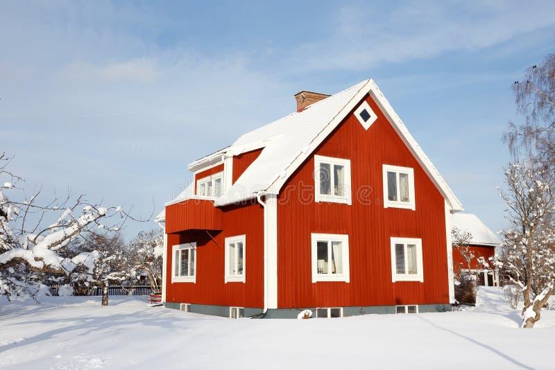 Szwedzki stary czerwony rodzina dom obrazy royalty free