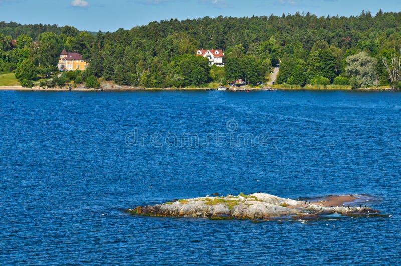 Szwedzkie ugody na wysepkach Sztokholm archipelag w morzu bałtyckim, Szwecja obraz royalty free