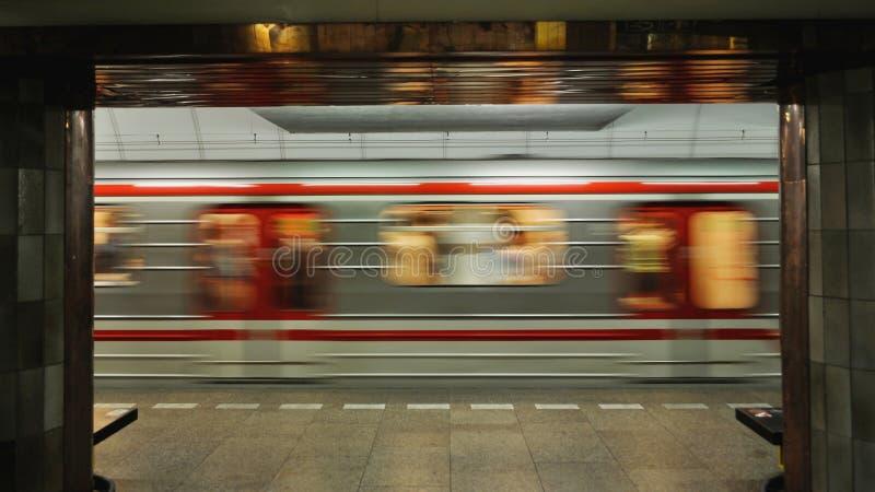 Szybki poruszający metro zdjęcie royalty free