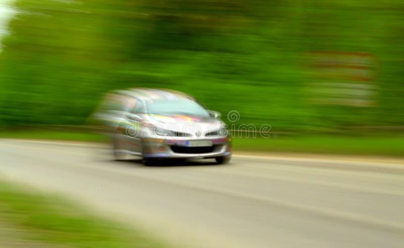 szybko jadącego samochodu fotografia royalty free