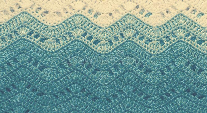 Szydełkująca stubarwna bawełniana tkanina W błękitnych kolorach Pasiasty wav zdjęcie royalty free