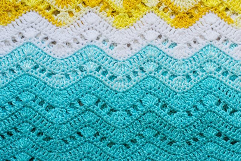 Szydełkująca stubarwna bawełniana tkanina W lato kolorach Pasiasty w obrazy royalty free