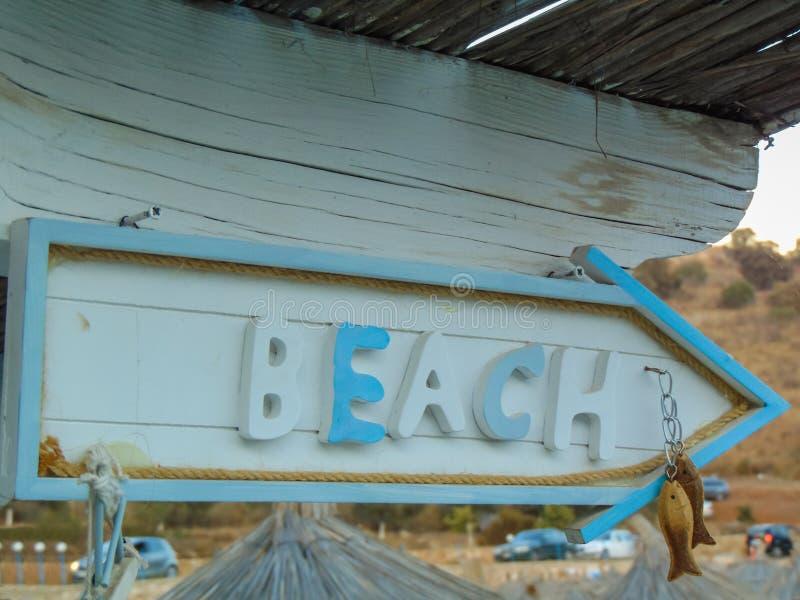 Szyldowy kierunek plaża obrazy stock