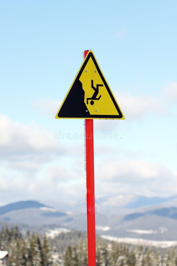 Download Szyldowy ostrzeżenie obraz stock. Obraz złożonej z narta - 24513601