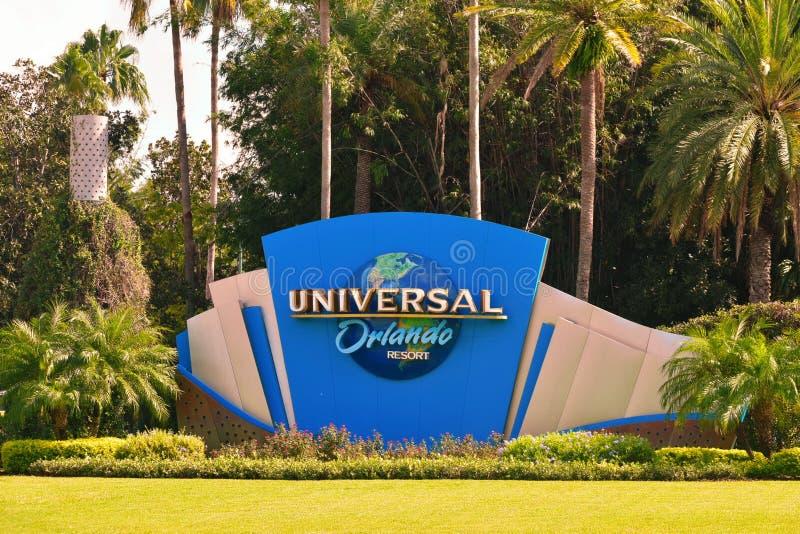 Szyldowy Universal Studios lokalizować przy skrzyżowaniem Ogólnoludzki bulwar Boulevar i Hollywood zdjęcia royalty free
