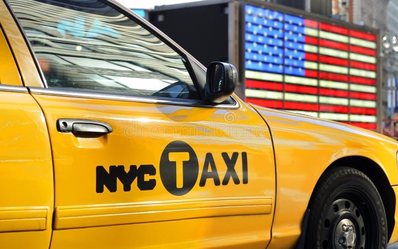 Táxi amarelo em NY fotografia de stock royalty free