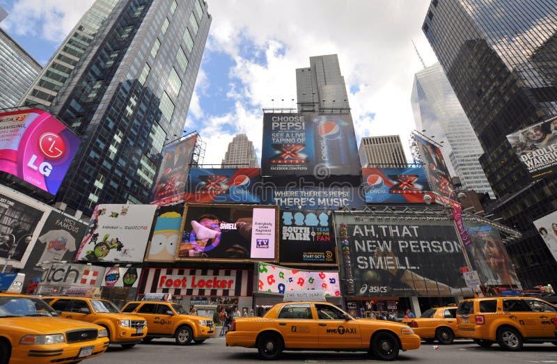 Táxi amarelo no Times Square, New York City fotografia de stock
