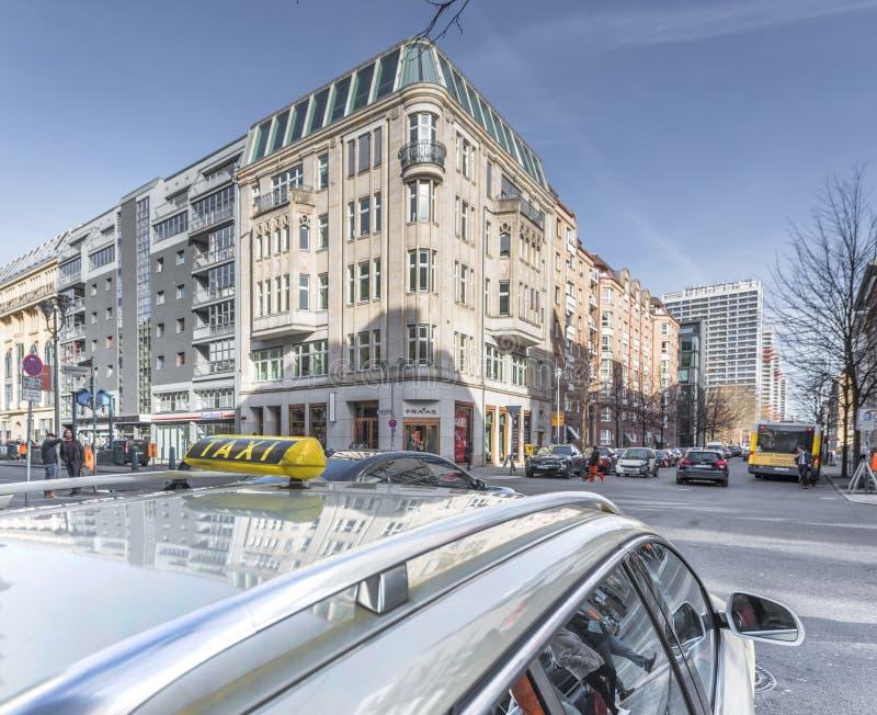 Táxi da cidade em Berlim fotos de stock