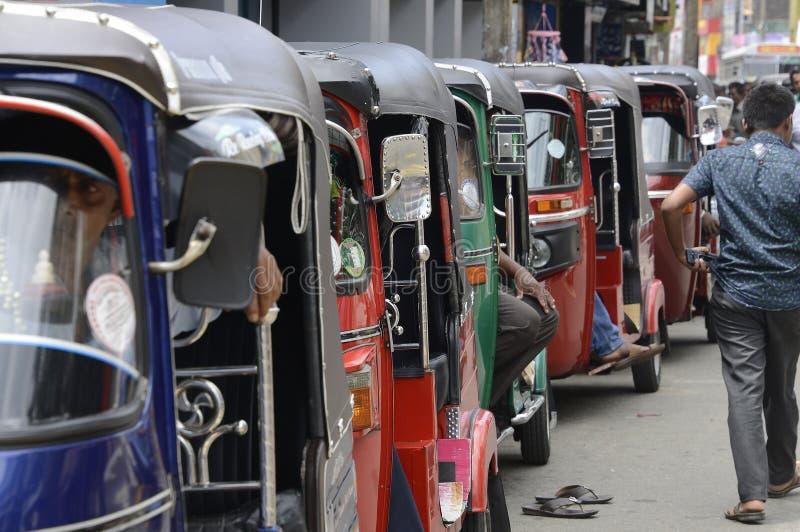Táxis cingaleses de Tuk Tuk imagem de stock