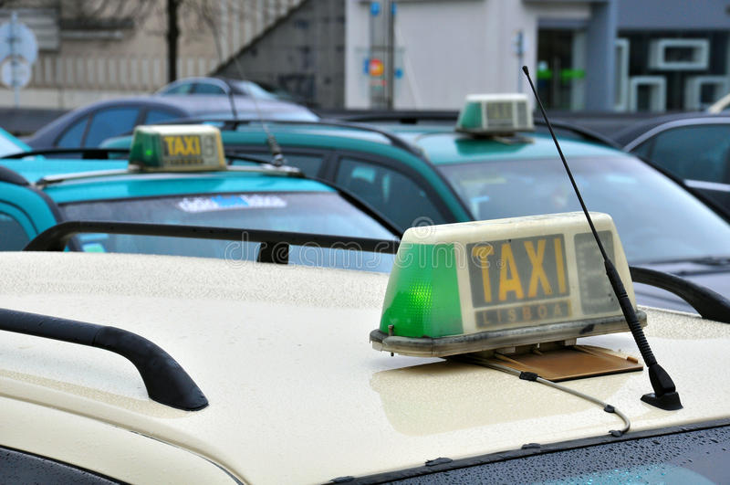 Táxis no aeroporto imagens de stock