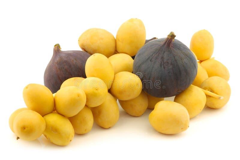 Download Tâmaras E Figos Recentemente Colhidos Imagem de Stock - Imagem de médio, fruta: 26501895