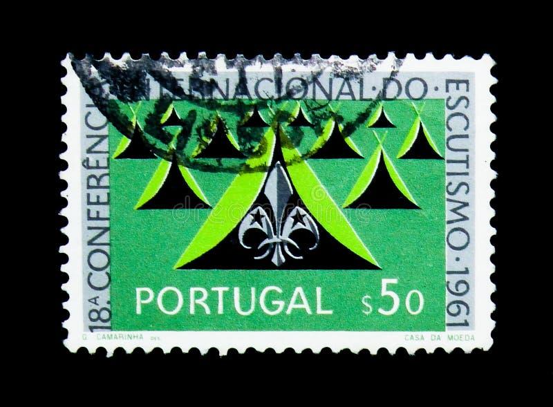 Tält och spanar emblem som spanar serie, circa 1962 arkivbild